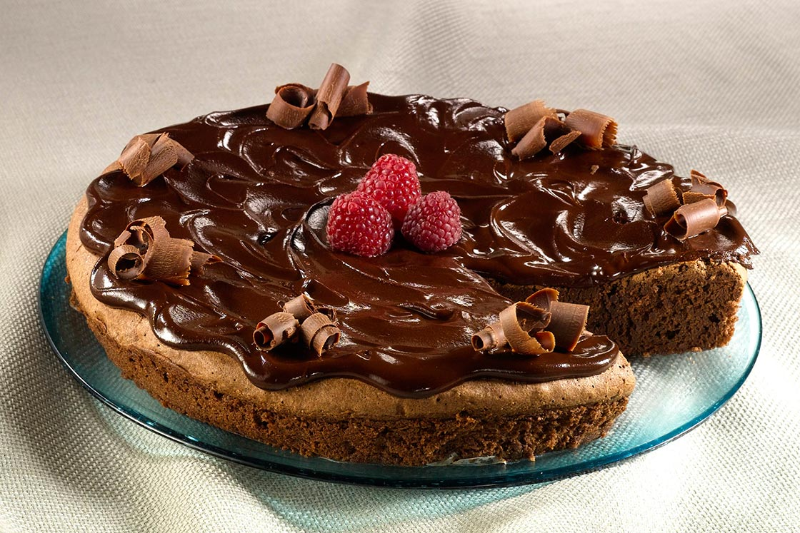 Chocolate-Lovers-Cake-For-Valentine's-Day