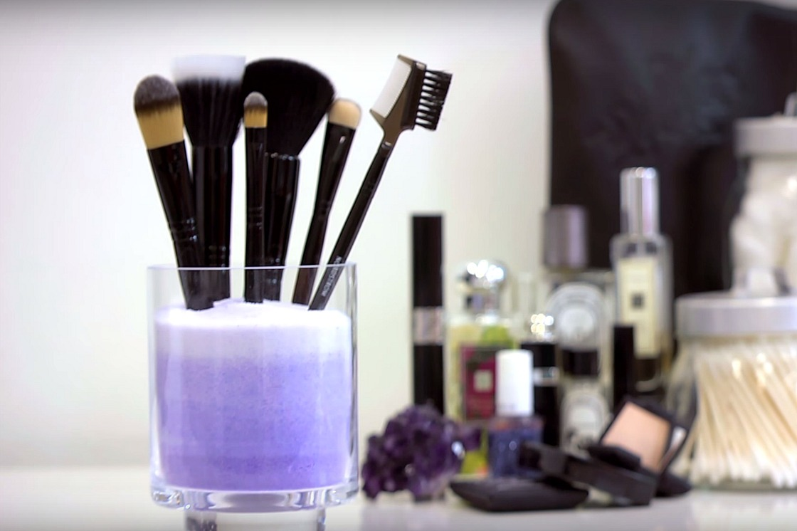 Stylish Diy Makeup Brush Holder